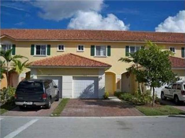 Beautiful 3/2.5 Townhouse In South Florida