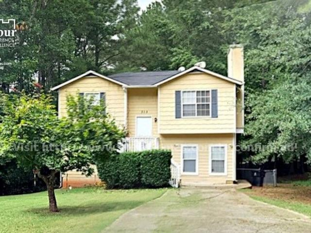 Beautiful 3 Bedroom Available In College Park Georgia!