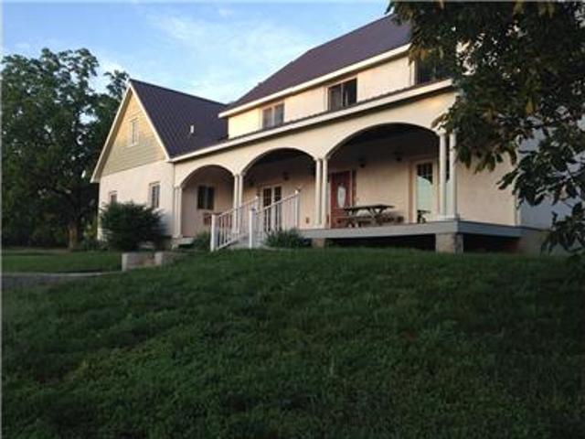 Beautiful Country Home Five Minutes From Lawrence