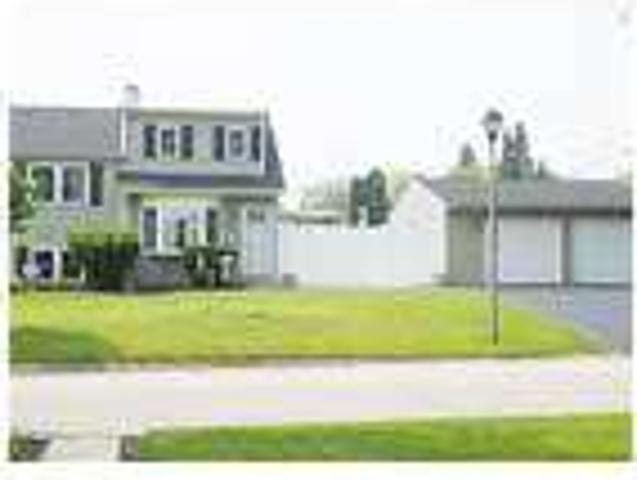 Beautiful Elmhurst Home Close To Downtown
