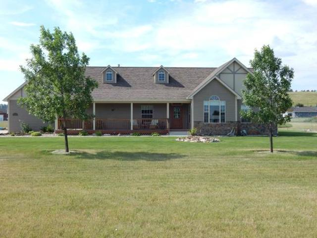 Beautiful Home On 2 12 Acres Lewistown