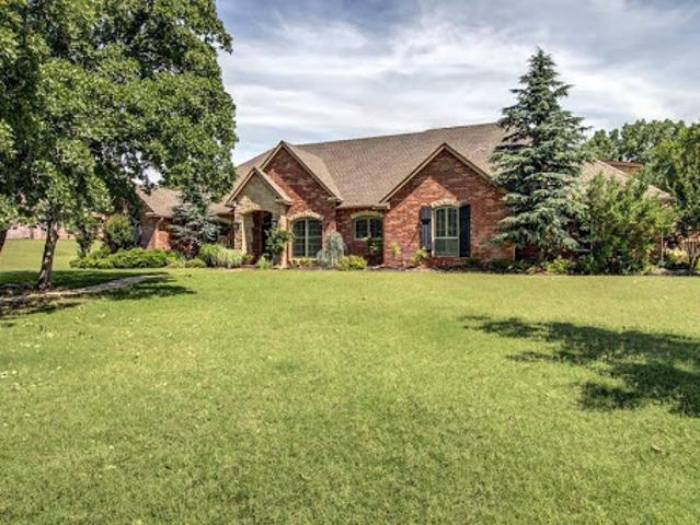 Beautiful Home With Pool On Acreage