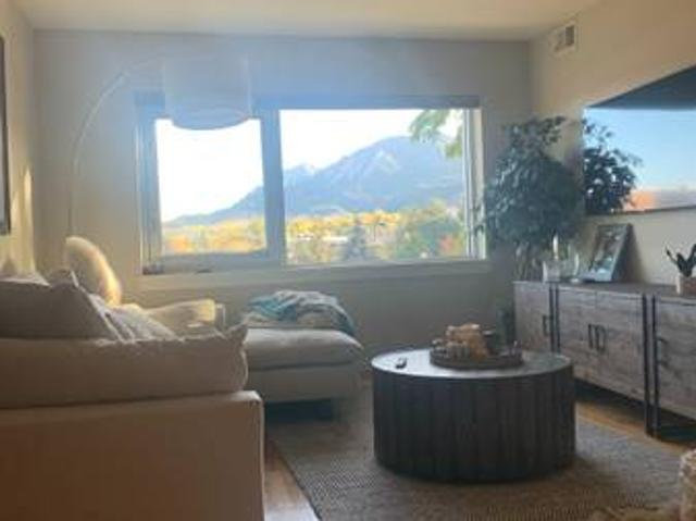 Beautiful Modern 2bdrm Condo With Mountain View Boulder
