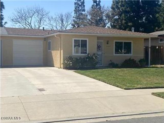 Beautiful Rancho Sequoia Duplex Located In Central