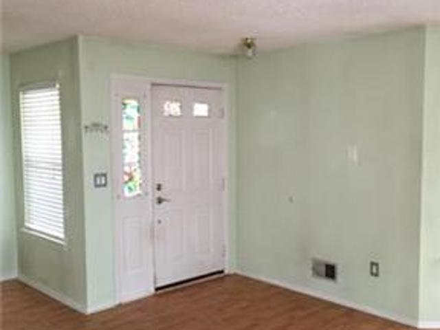 Beautiful Roomy 2 Bedroom In Freehold