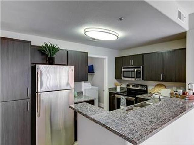 Beautiful Spacious Apartments In Central Phoenix!