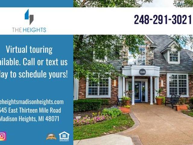 Beautiful Spacious Townhouse In A Gated Community Madison Heights