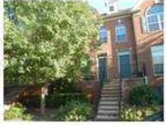 Beautiful Two Br Condo In Springwater Park