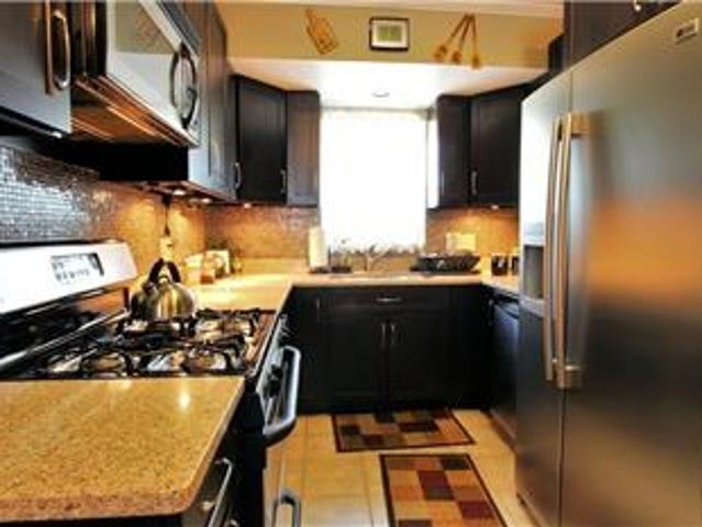 Beautifully Renovated, Partially Furnished 3 Bed At The Towne Estates In Brighton!