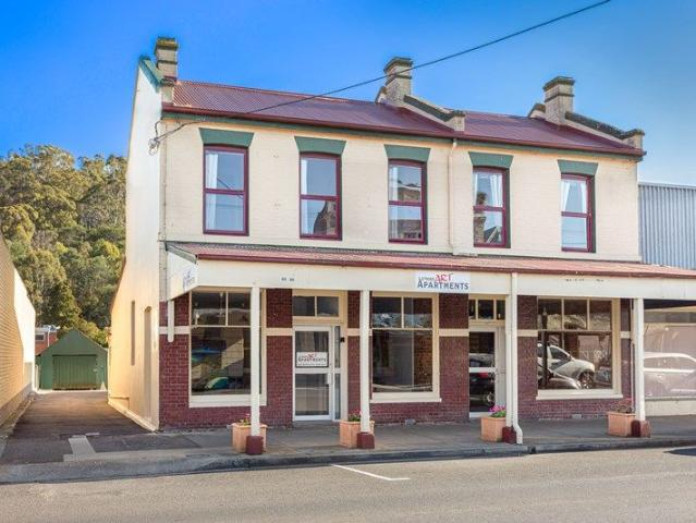 Beautifully Restored Property In The Heart Of Town