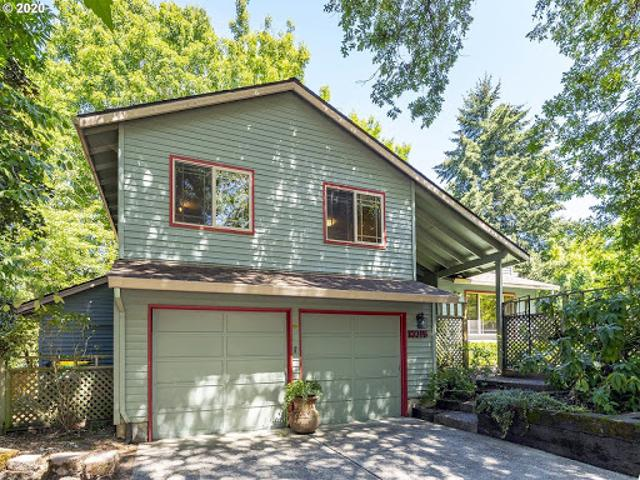 Beaverton Three Br Two Ba, Open & Inviting Home On Large, Privat