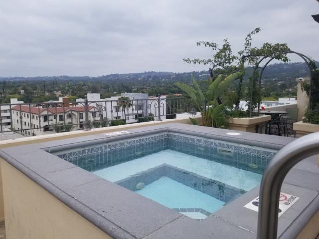 Beverly Hills Luxury Apartment With Pool