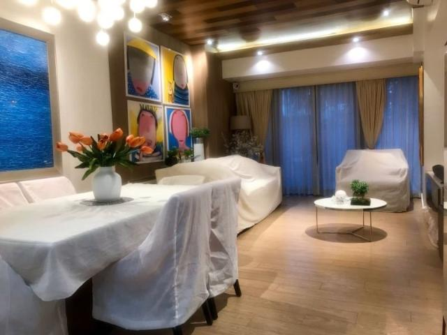 Bi Level 3 Bedroom In One Shangrila Place With Private Garden For Sale