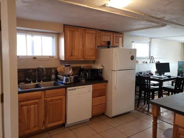 Big 2 Bedroom Sunny English Basement 6mo Sublet 1.5 Yr Lease Option Fort Collins
