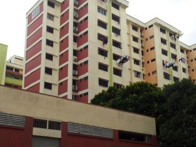 Blk488 Jurong West Room Offering Air Con,washing Machine,wifi In Jurong West Avenue 1, Wes...