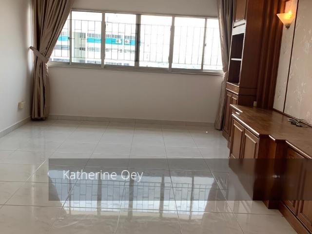 Blk 44 Marine Crescent Marine Parade, Hdb 5 Rooms For Sale