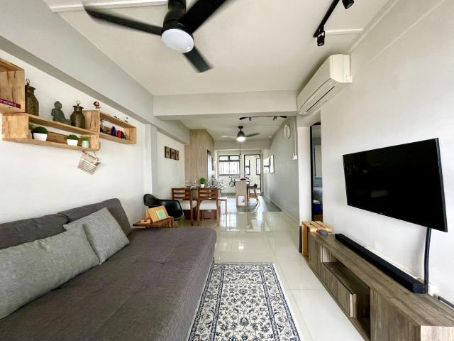 Blk 47 Marine Crescent Marine Parade, Hdb 3 Rooms For Sale