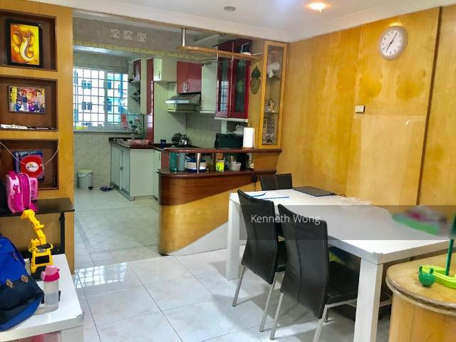 Blk 66 Marine Drive Marine Parade, Hdb 3 Rooms For Sale