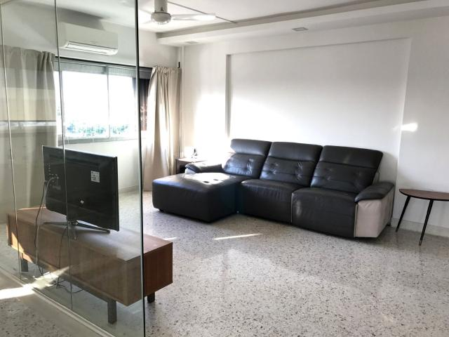 Blk 72 Marine Drive Marine Parade, Hdb 5 Rooms For Sale