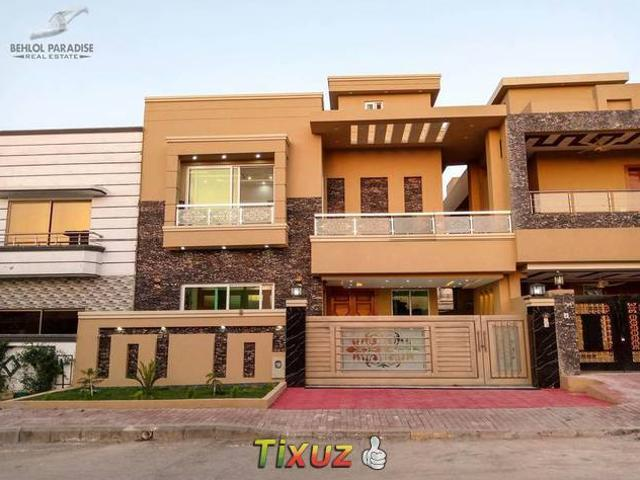 Brand New Elehgant House Up Fore Sale