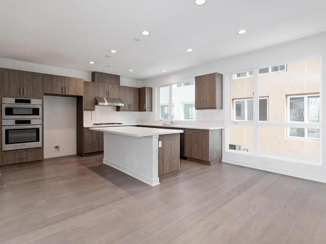 Brand New Home In Hollywood, Ca. 3 Bed, 3 Bath