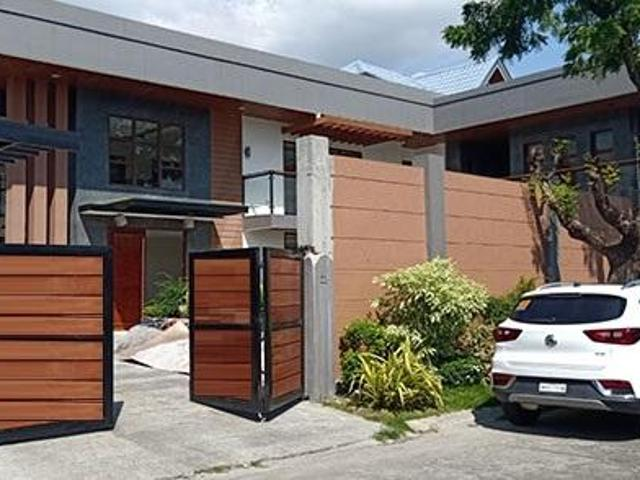 Brand New Modern House With Pool In Bf Homes Paranaque