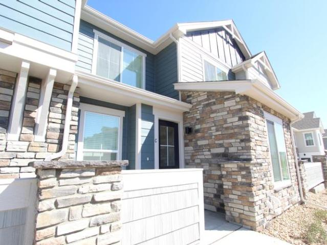 Brand New Southlands Area Townhome With 1 Car Garage And Top Not