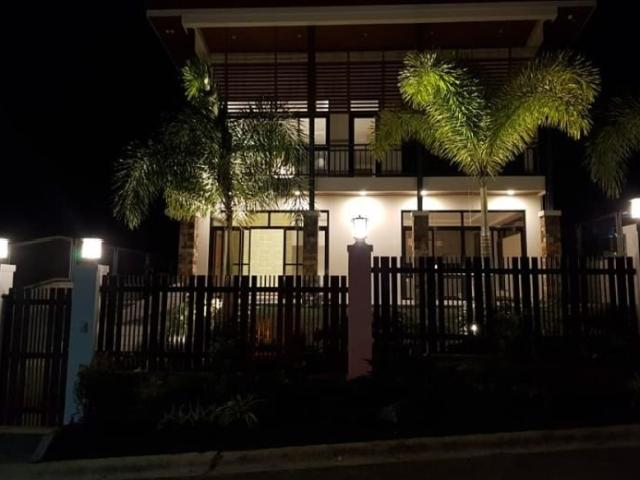 Brand New Tagaytay House And Lot For Sale!