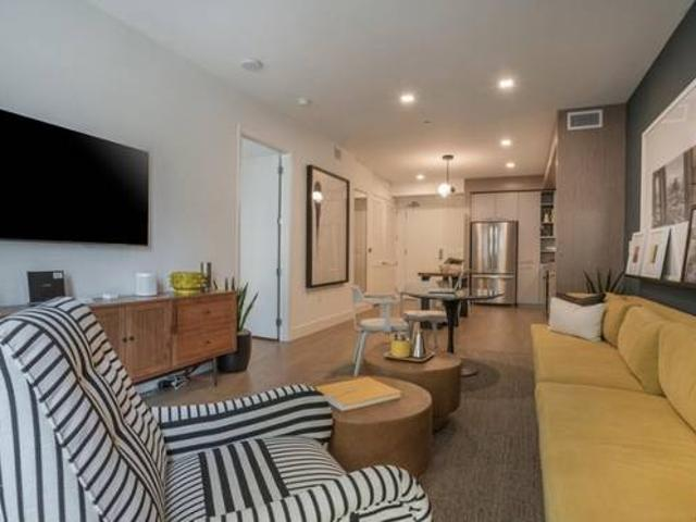 Breathtaking Apartment Newly Renovated And Airy 1 Bedroom Apartment East Village, San Diego