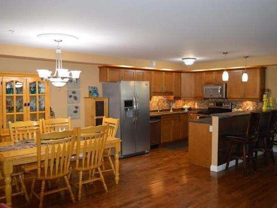 Bright, Beautiful 3bed/2bath Condo Including All Ss Appliances