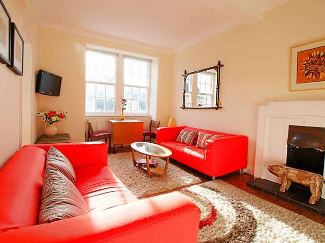 Bright New Town Flat 5 Mins To Princes St