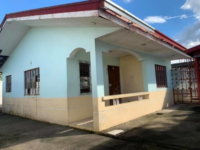 Bungalow For Sale With 2 Bedrooms