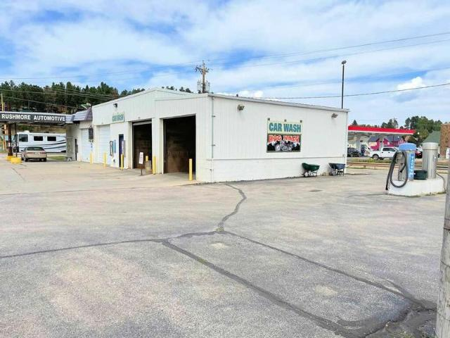 Business/land/building S Custer, Sd