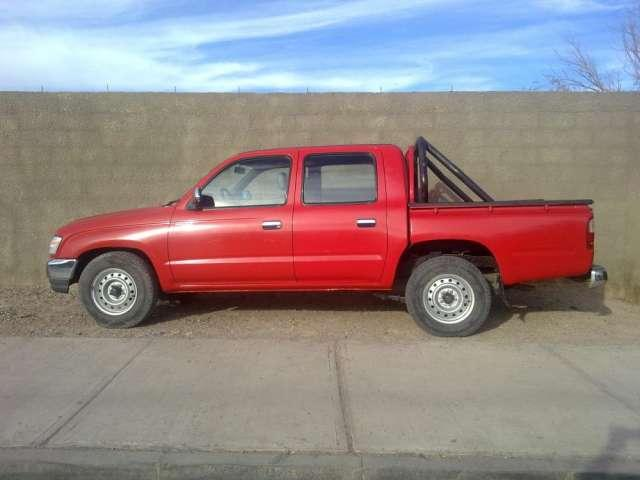 Camioneta toyota color rojo 2 4 año 2004 calama chile