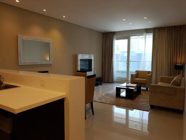 Canal View   Fully Furnished 1 Bed   Higher Floor