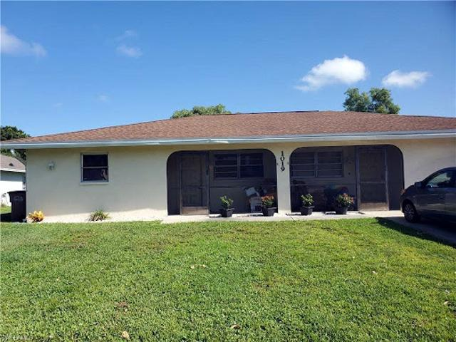 Cape Coral Four Br Two Ba, This Duplex Is Located In One Of The