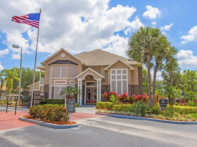 Captiva Club 2 Bedroom Apartment For Rent At 4401 Club Captiva Dr, Town 'n' Country, Fl 33...