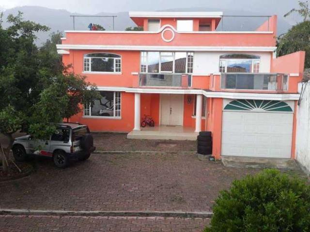 Casa Bonita Grande De 2 Plantas