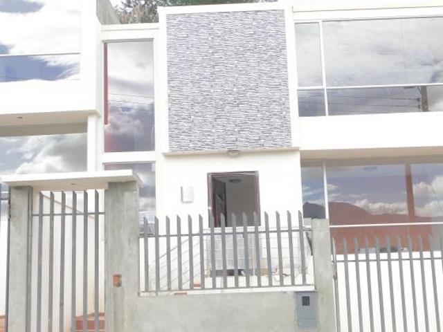 Casa En La Pradera Casa En Venta En Loja San Sebastian