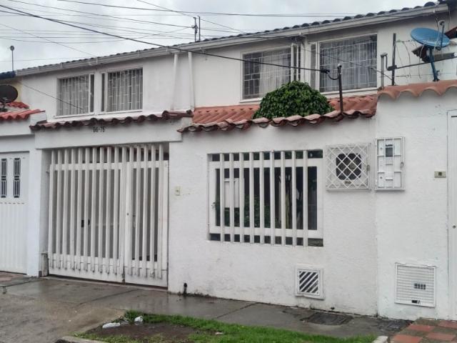 Casa En Venta En Bogotá La Floresta Vluq3108