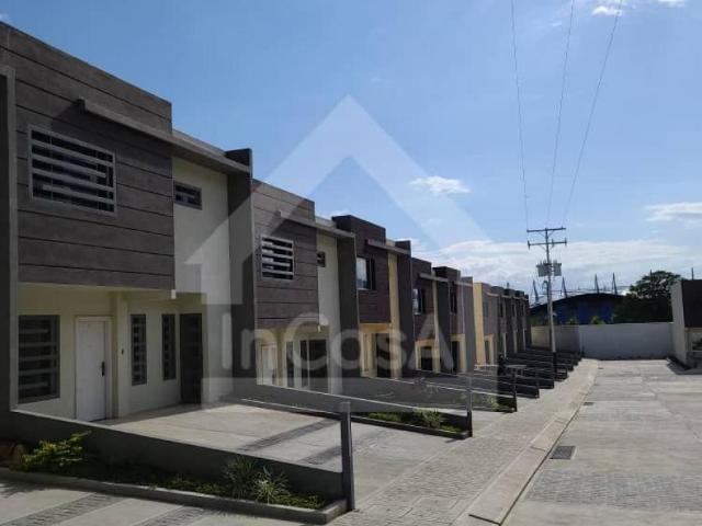 Casa En Venta En Mérida La Parroquia Mérida 165 M2. 3 Hab