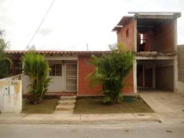 Casa En Venta Palo Negro Urbanizacion Esmeralda Maracay Inmuebleszerpacomve