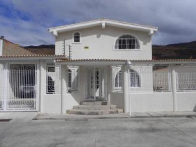 Casa En Venta San Homero La Victoria Inmuebleszerpacomve