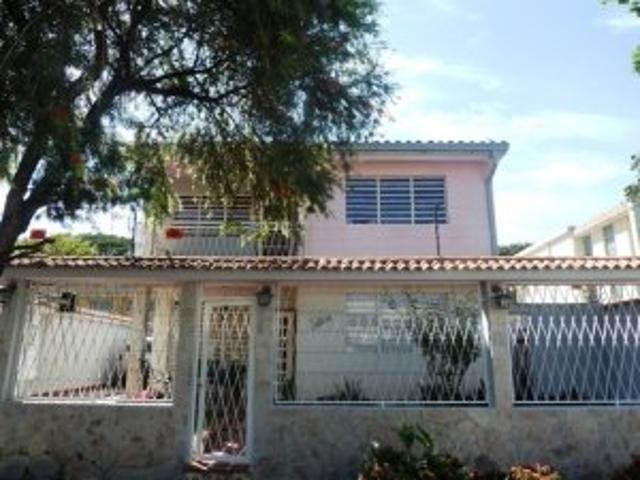 Casa En Venta Trigal Centro Edo Carabobo Cód. 12 628