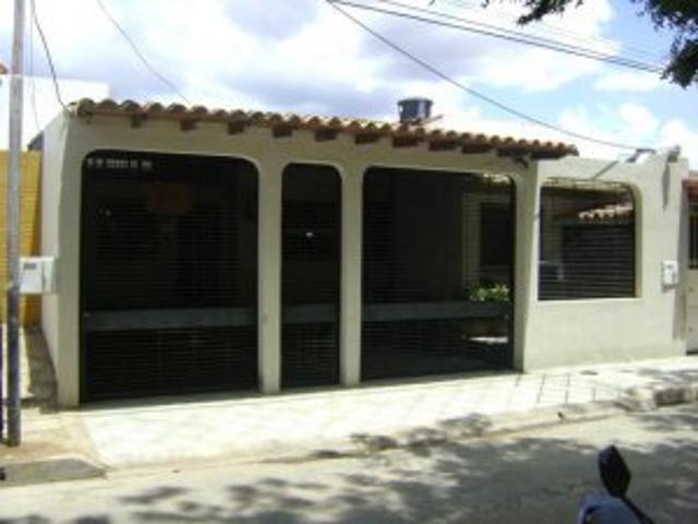 Casa En Venta Urb La Mantuana Turmero Inmuebleszerpacomve