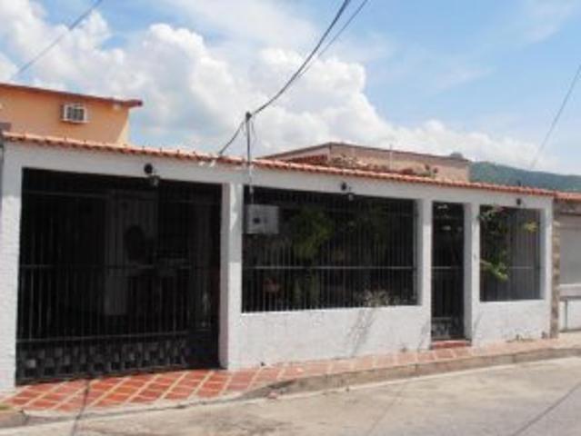 Casa En Venta Urb Valle Lindo Turmero Inmuebleszerpacomve