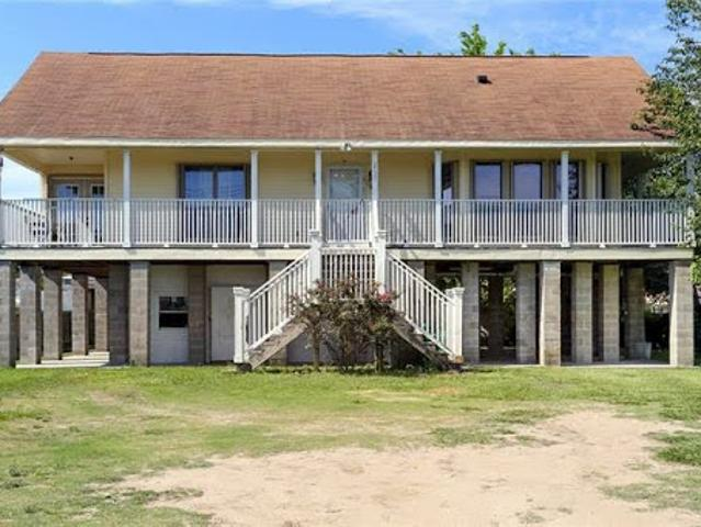 Chalmette Two Br Two Ba, Tons Of Potential To Live/ Work/ Play I