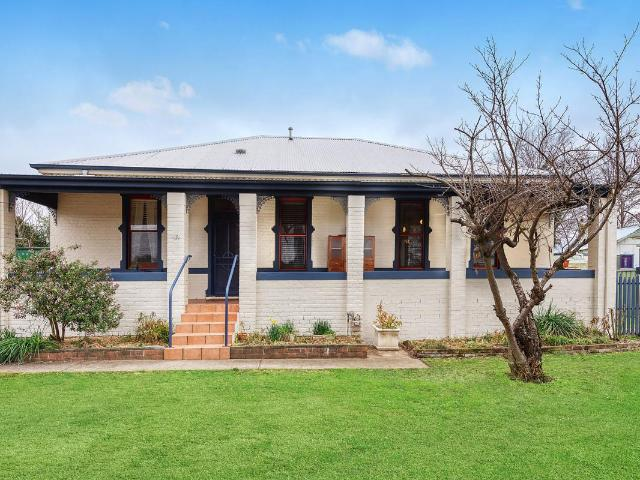 Charming Family Home Moments From Orange Cbd
