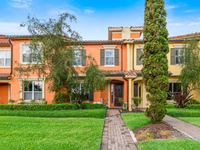Charming Lakefront Townhouse Maitland