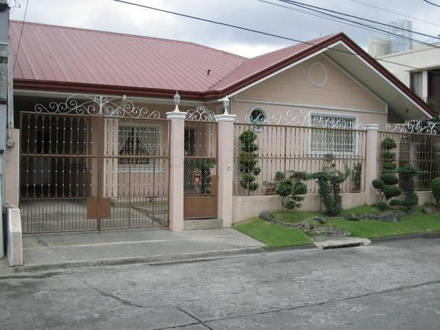 Cheap House And Lot In Bf Resort, Las Pinas